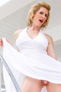 Picture of Delia DeLions