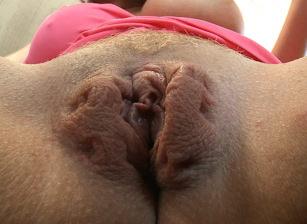 Pussy Close Up, Escena 7