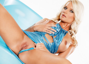 Jessie in Tasty Turquoise, Scene #01