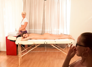 BTS-Getting A Sensual Massage, Escena 2