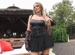 BTS-Rocco's Perfect Slaves #02, Escena 4