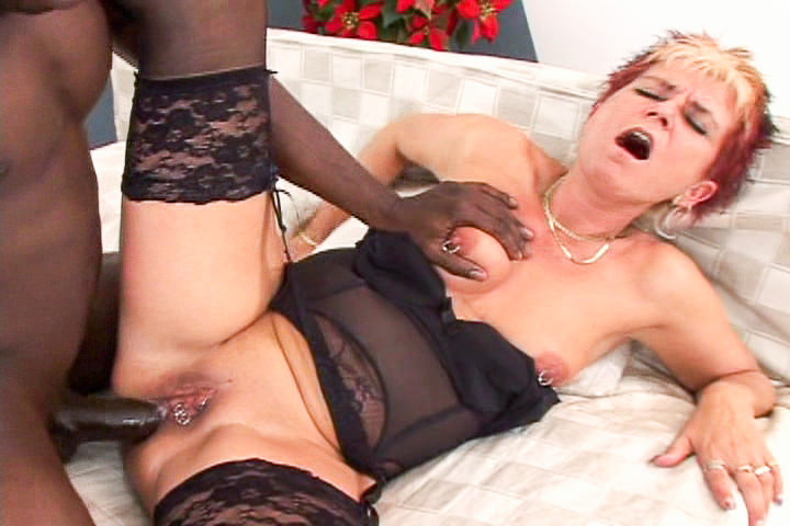 Slutty granny Jana loves black in her ass