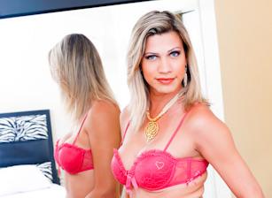 Transsexuelle latina caresse tige