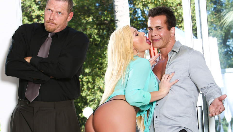 Talon bangs Bosses wild wife Summer Brielle