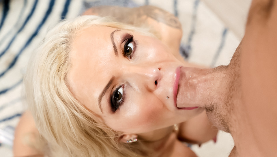 Deep Throat This - Swallow Edition, Scene #07