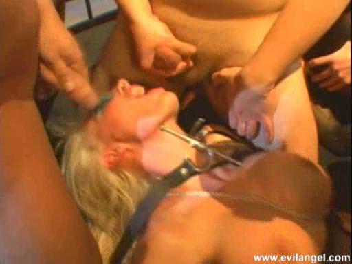 Eskade The Submission Escena 3