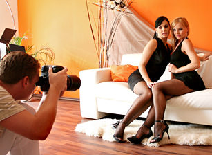 Stacy Dasilva And Silvia - Foot Fetish, Escena 2