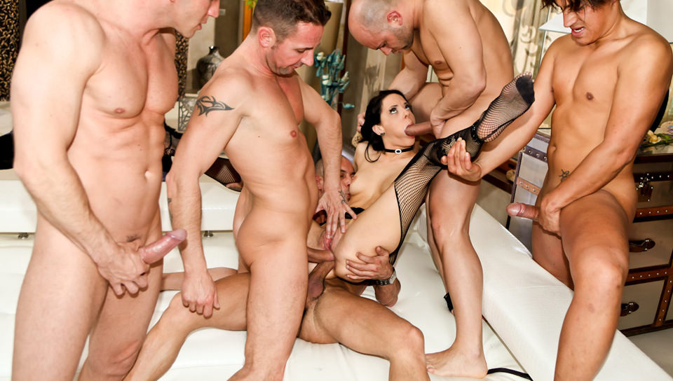 Awesome Euro babe Aliz enjoys femdom anal sex