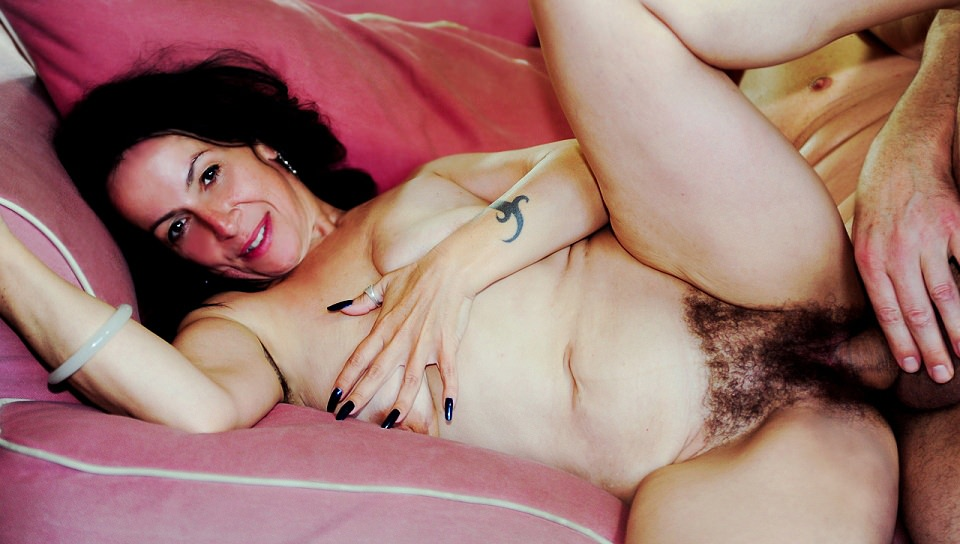Extremely hairy mature slut enjoys hardcore action